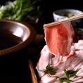 お席のみのご予約も大歓迎です!アラカルトメニューは、「旬」にこだわり季節ごとに考案致します。いつご来店されても今一番美味しい食材を使用した豊富な創作料理をお楽しみ頂けます。中でも当店自慢の九州料理とお肉料理は絶品です。博多和牛もつ鍋や和牛ローストビーフなど多数ご用意しております。日本酒との相性も◎
