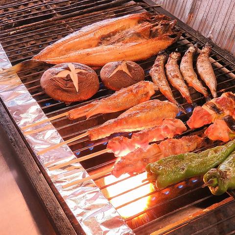 《翌1時まで営業♪》新鮮魚介や季節の厳選素材を炉端焼で♪一品330円~でコスパ◎
