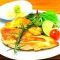 料理メニュー写真大山鶏むねオーブン焼き