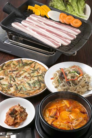 ■《当日予約OK》1番人気★サムギョプサル+韓国家庭料理100分食べ飲み放題 4000円(税込)