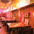 【ネオンのライトで雰囲気◎】お初天神商店街内の大通りから一本入った隠れ家的お店の台湾夜市☆ネオンの明かりで雰囲気も◎仕事終わりに同僚とや、デート、お仲間内など、様々なシーンでご利用ください。店内の雰囲気を愉しみながら、落ち着いた時間をお過ごしいただけます。【食べ放題 食べ飲み放題 居酒屋 梅田】