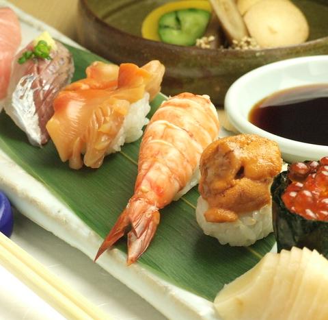 銀座と言えば寿司。本格的な寿司がお得に味わえるお昼のメニューは3500円より