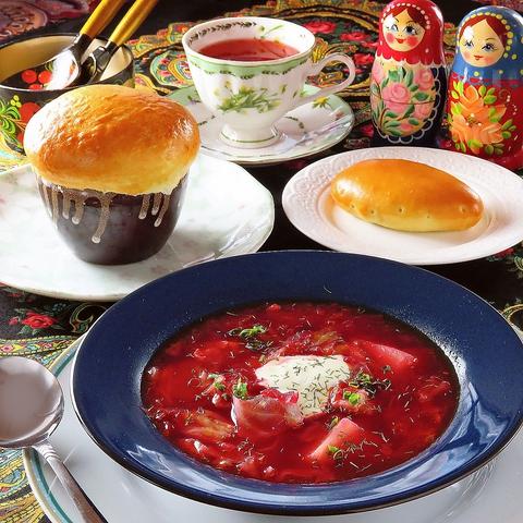 あたたかいロシア料理で心も体もぽかぽかになりますよ!