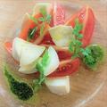料理メニュー写真ブッファラとフルーツトマトのカプレーゼ