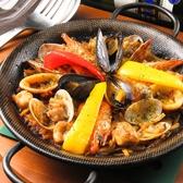 【Casa Milaのこだわり1】当店人気のパエリアをはじめとした数々の料理や雰囲気でご満足いただきたいというおもてなしの思いから生まれる、ボリューム満点のコース。シーンやご予算に合わせた飲み放題付きコースを多数ご用意しました。広島でお洒落な宴会は『Casa Mila』で決まり★