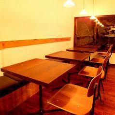 女子会やデートにも最適なテーブル席です☆
