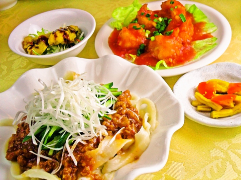 中華&和食をお弁当を中心に低価格で本格的!12Fから見えるキレイな景色も魅力的。