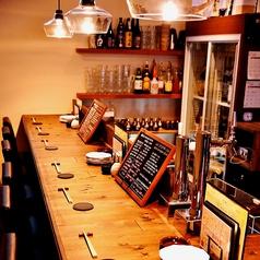 行きつけのお店を探しているあなたにおすすめ!おひとり様にもデートにもおすすめのカウンター席カウンター席限定で、無料で日本酒試飲出来ます!!お好きな日本酒と出会えると良いですね。。。