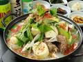 料理メニュー写真カムジャタン/ブデチゲ/ホルモン鍋   (中/大)