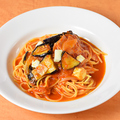料理メニュー写真ナス・モッツァレラチーズのトマトソース