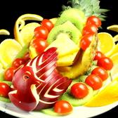 シェフ特製のフルーツ盛り!記念日などにどうぞ!インパクトは最強です!盛り上がること間違いなし♪
