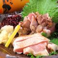 料理メニュー写真赤鶏の刺身盛り