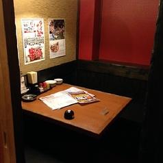 周りを気にせずお食事ができる個室席です。ご家族、ご友人、カップルなどお気軽にご来店ください♪