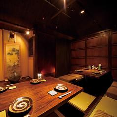 会社宴会や接待など様々なシーンで使いやすい掘りごたつ個室。10名様前後×3室