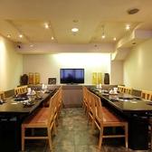 カジュアルなテーブル席。各階2名4名6名8名10名~席タイプも人気の半個室、掘りごたつ席、テーブル席と幅広くご用意。各階で貸切可能(15名~40名)お問い合わせください。