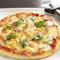 料理メニュー写真ピザ マルゲリータ