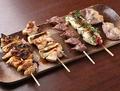 料理メニュー写真若鶏串焼き五本盛り合わせ