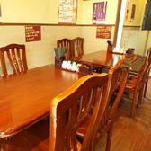 1階のテーブル席☆4名席が5卓、2名席が1卓