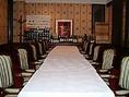 2~16名様まで。人数に合わせてテーブルの配置を変更致します。
