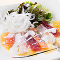 料理メニュー写真彩り3種のカルパッチョ