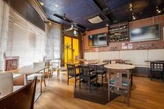 エビスカフェ&バル 新大阪店の雰囲気1