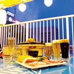 屋上ビアガーデンの醍醐味★全席が開放的なテラス席です!焼肉やお酒をより一層美味しくしてくれること間違いなし!