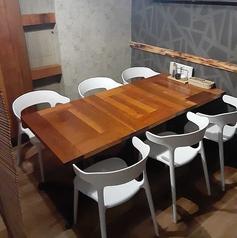 小人数宴会にもおすすめの6名様がけのお席です♪飲み放題付き宴会コースも3500円~ご用意しておりますので、ぜひ併せてご利用下さい☆