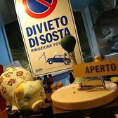 本場イタリアをイメージした店内にはミラノで購入した雑貨があちらこちらに。