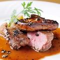 料理メニュー写真牛ヒレ肉とフォアグラのソテー ロッシーニ風 トリュフソース(限定5食)