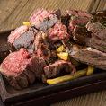 ニューヨークカットステーキは霜降りでボリューミー。かぶりつけば肉汁があふれ出すイチオシの逸品です。他にも様々な肉料理をご用意しております。ビールとの相性もピッタリです。ぜひ、ご賞味ください!