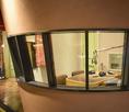 店内に併設されたラジオ収録スタジオ。
