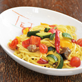 料理メニュー写真たっぷり季節野菜のペペロンチーノ