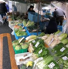 毎朝、良心市場に食材の買い出しに行っています。
