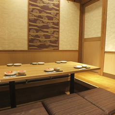 少人数用の完全個室席。合コンや女子会、ご家族でのお食事にも♪