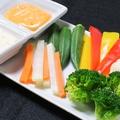 料理メニュー写真彩り野菜のバーニャ韓ダー