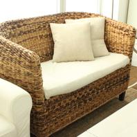 ソファーでゆったりのお席