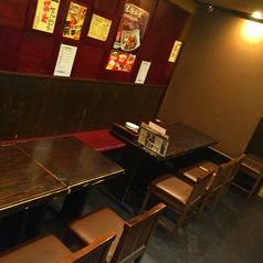 4人掛けのテーブル席です。人数に応じてテーブルを組み合わせれるので、ご相談下さい★カーテン利用で半個室風にも対応!