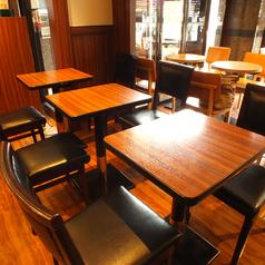 レイアウト変更可能なテーブル席をご用意しております☆