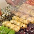 料理メニュー写真皮/砂ズリ/ボンジリ/白レバー/鶏ハツ/ささみ/モモ身/つくね/せせり