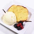 料理メニュー写真ハチミツレモンのパウンドケーキ バニラアイス添え