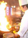 ★炎の料理シーン★栄養薬膳師の資格をもった料理長がつくるからだに優しい料理は絶品!