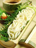 竹食器が揃いました。