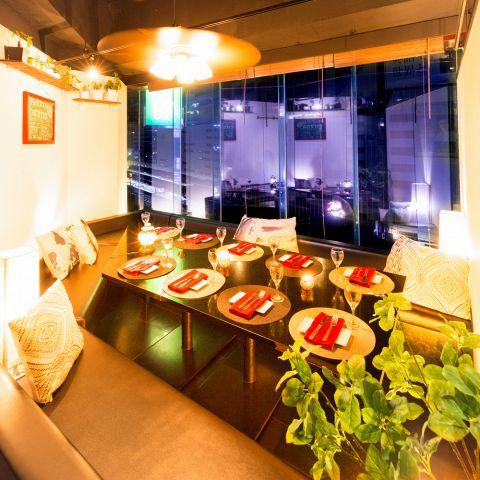 ◆夜景一望&完全個室◆【大人の上質なプライベート空間は贅沢な雰囲気】完全個室も完備。雰囲気抜群な素敵個室を多数ご用意した新宿の個室居酒屋!最高の夜景を眺めながら贅沢なプライベート空間をお寛ぎ下さい♪飲み会,宴会,女子会にも◎