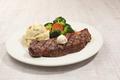 料理メニュー写真ニューヨークストリップステーキ