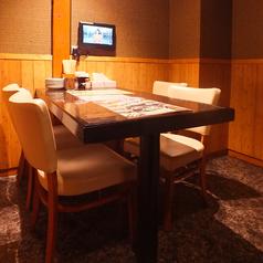 TV付テーブル個室