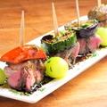 料理メニュー写真ラム肉のピンチョス