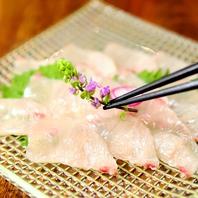 新鮮な海鮮を使用したお刺身や海鮮料理の数々も必見!