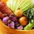 直接お会いして取引きをさせて頂いている無農薬野菜♪太陽の光をしっかり浴び、元気に育った美味しい野菜たちをご提供!!だからどんなメニューで召し上がられても素材がしっかりしていて美味しいんです!!
