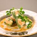 料理メニュー写真海老と蒸し鶏の生春巻き