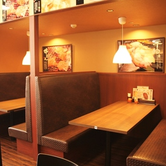 【6名×3】仕切りのあるテーブル席は個室感覚でお食事をお楽しみいただけます♪